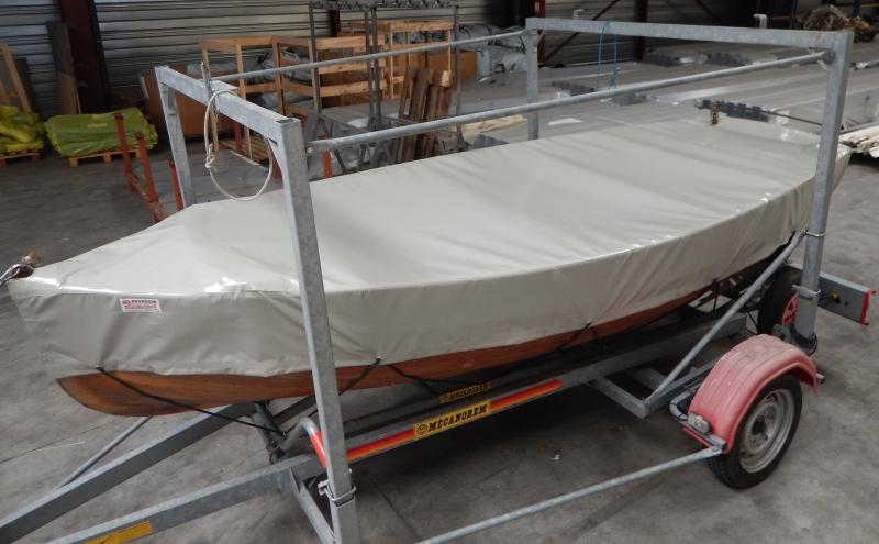 Taud de bateau gris en toile PVC