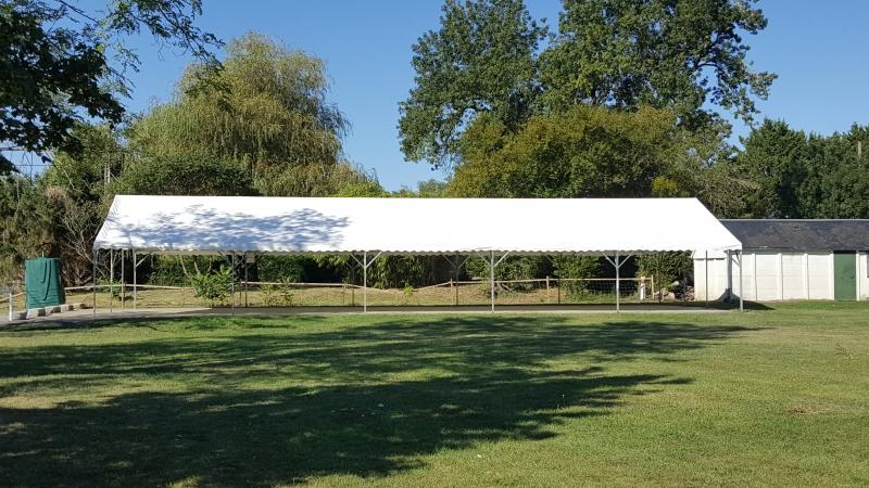 Tente avec toit blanc en PVC